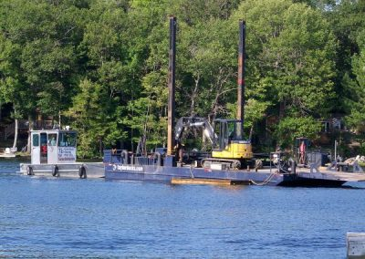 Barge mobilizing to site