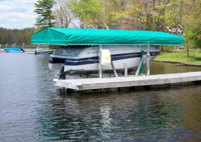 Vertical boat lift with roof system