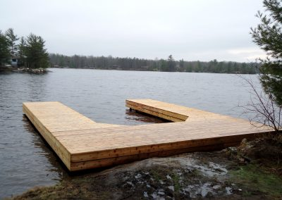 Steel dock in cedar on Gloucester Pool